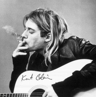 Kurt Cobain fumant
