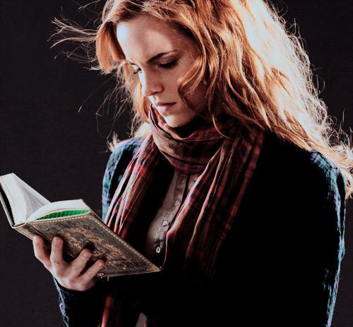 Hermione Granger lit tout le temps