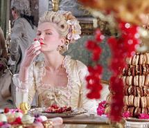 Marie-Antoinette alias Kirsten Dunst est gourmande