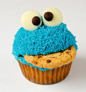 Un cupcake cookie monster