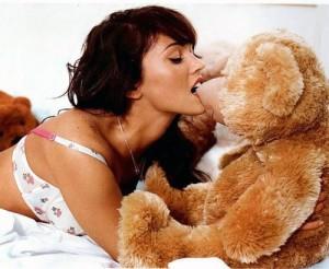 Megan Fox et son ours en peluche