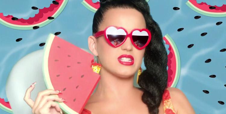 Katy Perry a 30 ans et n'est pas une adulte