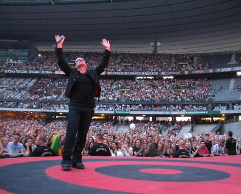 U2 en 2004 au stade de France