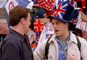 Joey avec son chapeau Union Jack en Angleterre