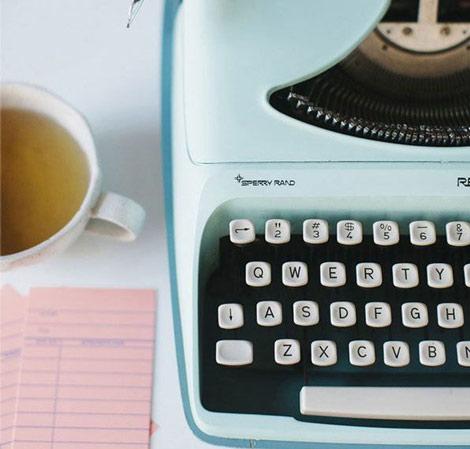 Machine à écrire pastel