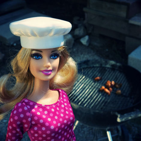 Barbie fait un barbecue
