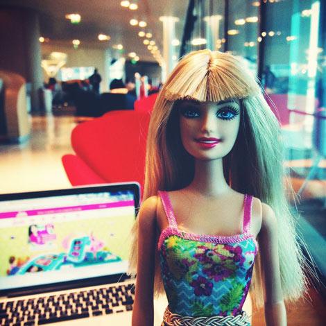 Barbie est une femme jalouse