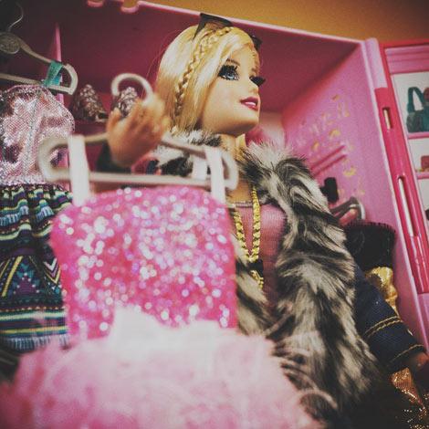 Barbie va en boîte