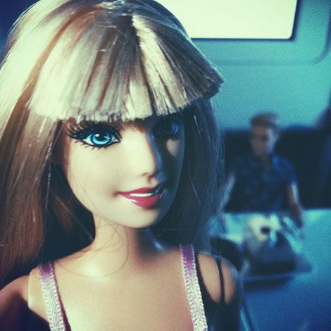 Barbie fait un selfie