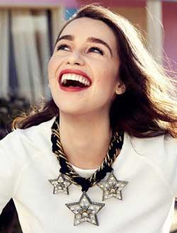 Etre heureuse et sourire à la vie